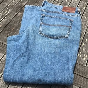 Tommy Bahama Classic Fit Jeans 40 32
